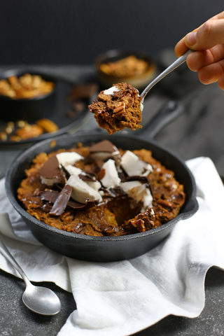 Vegan hot brownie skillet